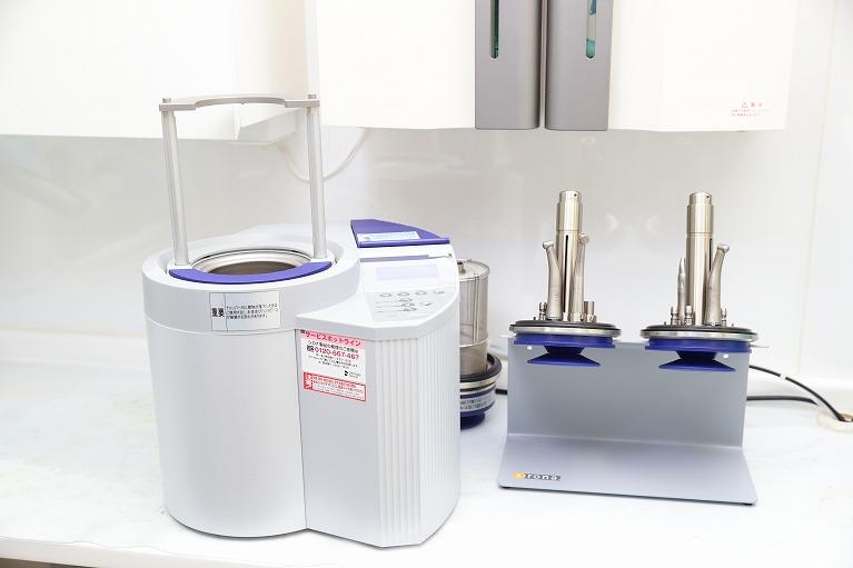 最新の滅菌器を導入し徹底した殺菌を